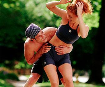 Летняя спортивная одежда для девушек