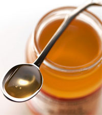 Мед содержит больше питательных веществ-антиоксидантов, чем белый сахар
